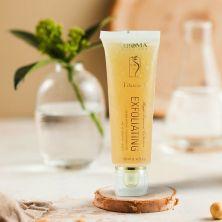 Гель-пилинг для лица со скрабом с абрикосовых косточек Aroma Dead Sea Vitamin C Exfoliating Cleansing Gel